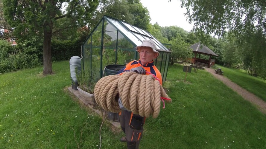 GARDENING QUICK TIP.......Watch this before using rope